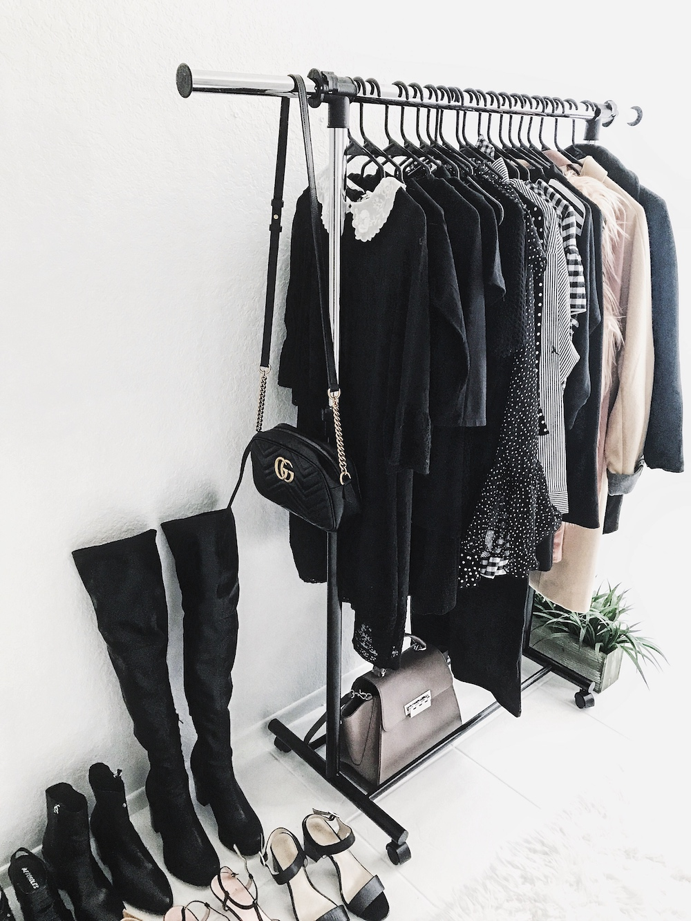 Minimal Closet Over the knee boots
