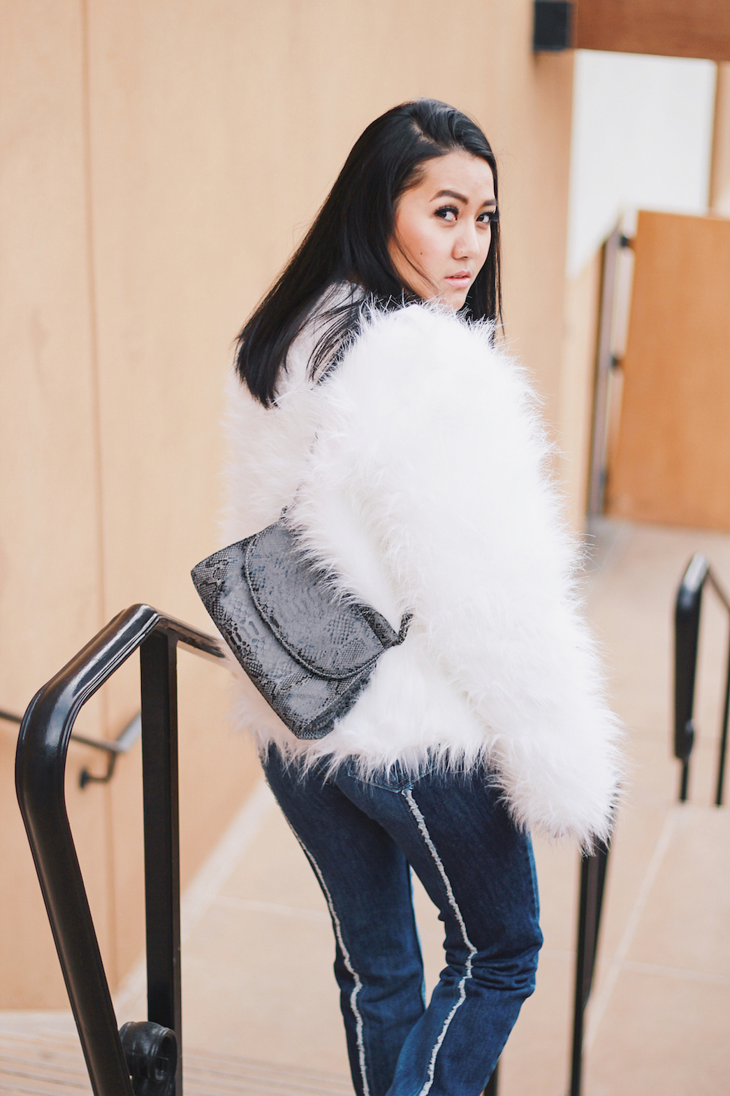 Holiday-Outfit-Ideas-Faux-Fur-Jacket