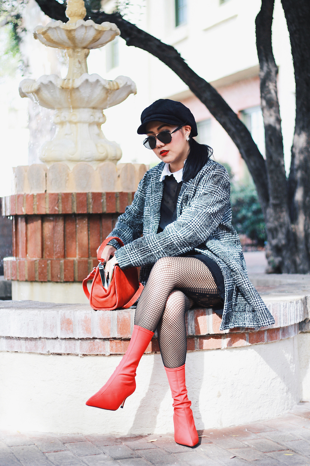 Last-Minute-Holiday-Outfit-Idea-Black-and-Red-Outfit