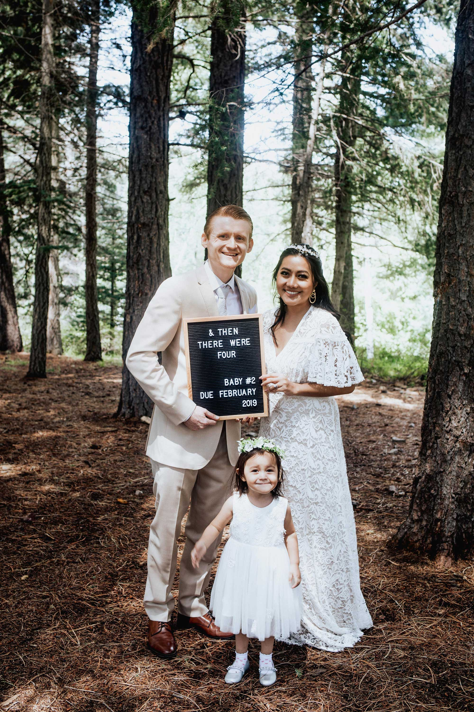 Pregnancy Announcement Baby Number 2_TheVibesCloset_Molly Larsen_Style Blogger_mom Blogger_Beauty Blogger_family picture_1