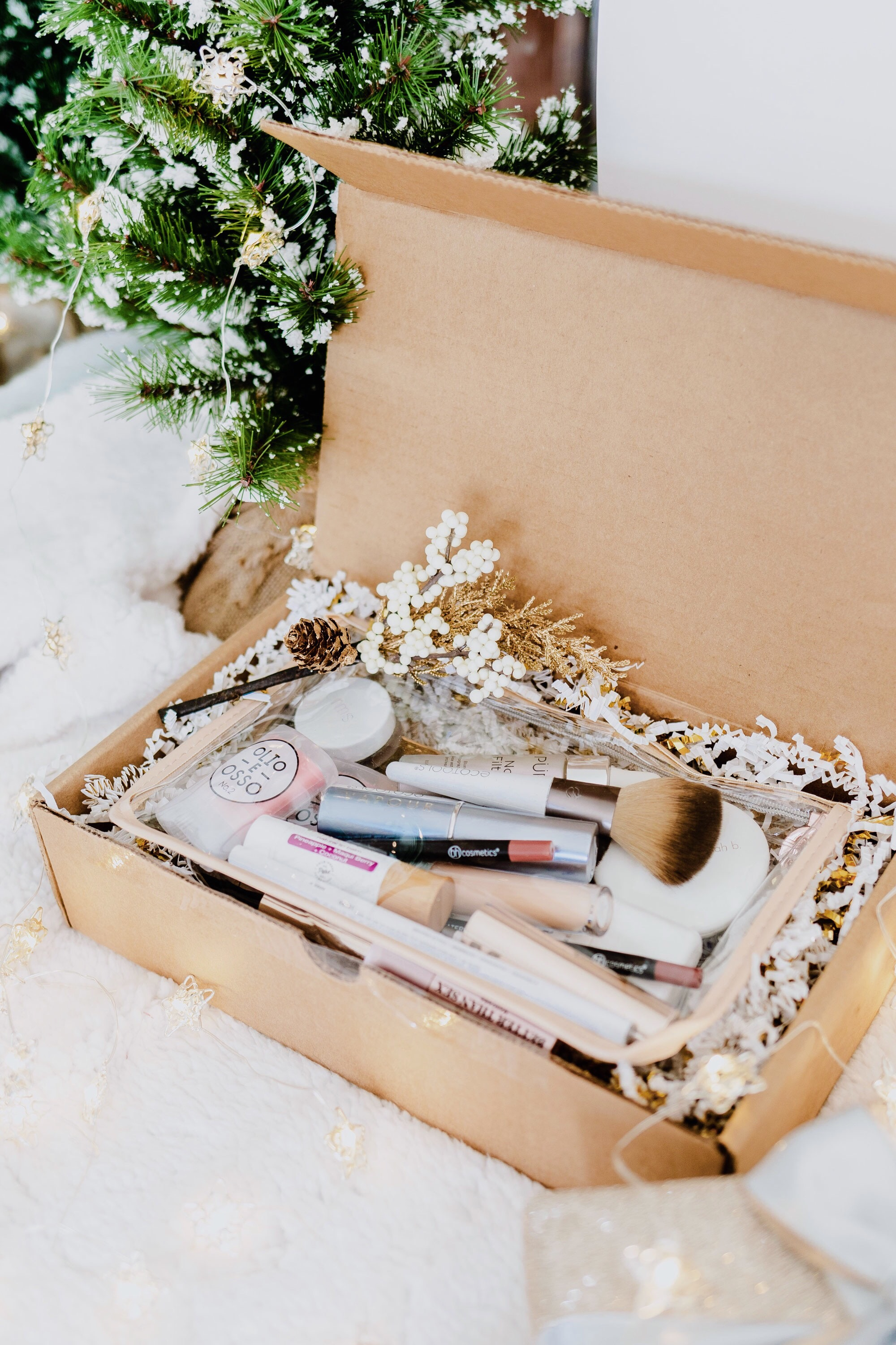 Holiday Gift Guide : DIY Clean Makeup Box